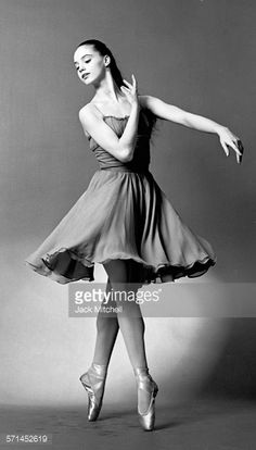 Suzanne Farrell, 1964 - Google Search. #Ballet_beautie #sur_les_pointes *Ballet_beautie, sur les pointes !*