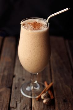 Snickerdoodle Smoothie {Gluten-free and Vegan} // Tasty Yummies
