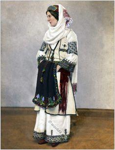 Albanian woman, ca 1861. Ottoman Empire costumes Archive