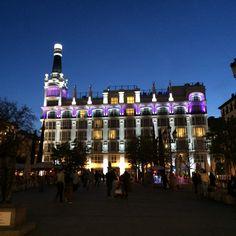 The ME Melia hotel in Madrid [ www.enjoyfoiegras.com ]