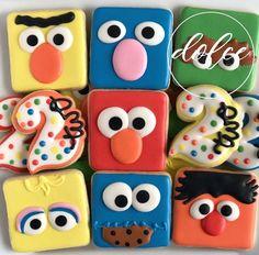 #sesamestreet #sesamestreetcookies #birthdaycookies #decoratedcookies #decoratedsugarcookies #royalicing #royalicingcookies #instacookies… Cookies For Kids, Fancy Cookies, Iced Cookies, Cute Cookies, Holiday Cookies, Cupcake Cookies, Elmo Cookies, Cookie Frosting, Royal Icing Cookies