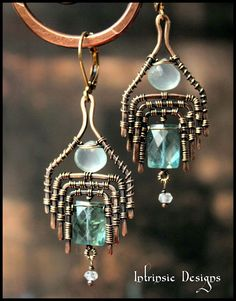 and Aquamarine Ultra Wrap Earrings by Intrinsic Designs- photo only Bijoux Wire Wrap, Wire Wrapped Earrings, Wire Earrings, Earrings Handmade, Handmade Jewelry, Ear Jewelry, Copper Jewelry, Jewelry Art, Jewelery