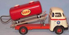 Model Cars Building, Cowboy Girl, Toy Trucks, Tin Toys, Cool Toys, Scale Models, Vintage Toys, Diecast, Kid Stuff