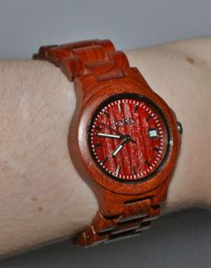 win yourself a beautiful Jord – Ely Series Wood Watch in Cherry. Amazing Watches, Cool Watches, Tracy Moore, Wooden Watch, Wooden Jewelry, New Pins, Fashion Watches, Giveaway, Gadgets