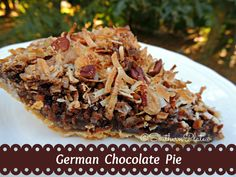This is a decadent German Chocolate Pie recipe that is really simple to make and wonderful for holiday dinners or any get-togethers. German Chocolate Pies, Chocolate Pie Recipes, Chocolate Butter, Chocolate Lovers, Chocolate Cream, Chocolate Fudge, Köstliche Desserts, Delicious Desserts, Dessert Recipes