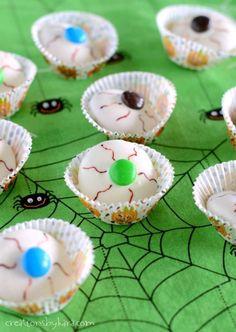 Bloodshot Eyeball Halloween Cookies