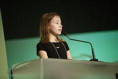 Iniciativas que ensinam crianças a empreender proliferam no Brasil Garota americana de 10 anos veio ao país para falar sobre projeto pioneiro. Em 2014, 26,5 mil alunos participaram de projeto Jovens Empreendedores.