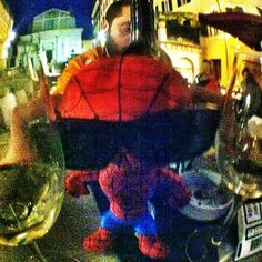 """""""Spideruccio si """"rilassa"""" dopo una dura fiornata #igersitalia_swspidermantour #igersmarche #igeritalia #igersancona #spiderman #ancona #drink #aperitif #sunglasses #occhiali #ancona #raval"""" #amazingspiderman"""