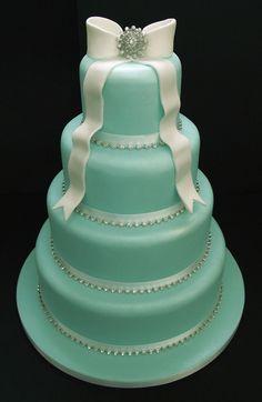 Amazing mint and white cake! I want it!