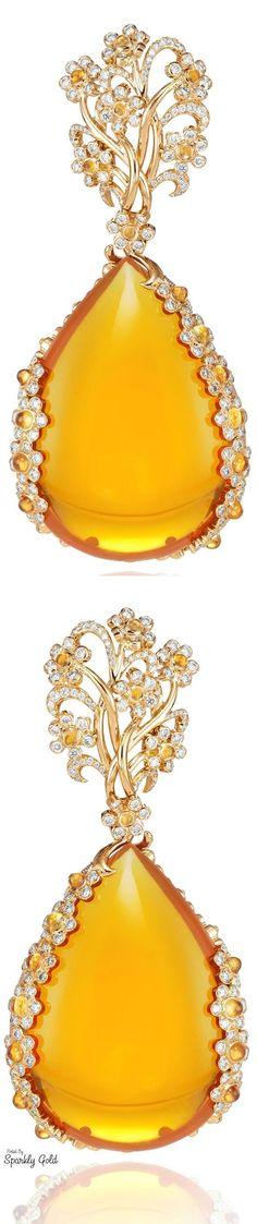 Chopard Red Carpet earrings in white and yellow gold, set with yellow diamonds and white diamonds (POA). India Jewelry, Jewelry Art, Fine Jewelry, Jewelry Design, Jewellery Box, Gold Jewelry, Jaune Orange, Mellow Yellow, Bright Yellow