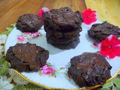 SPLENDID LOW-CARBING BY JENNIFER ELOFF: FLOURLESS CHOCOLATE HAZELNUT COOKIES