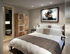 Very simplistic but design Bedroom