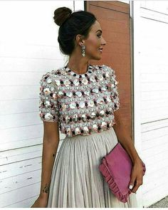 Don't worry, you can still look gorgeous during the cold winter months. Don't miss out on this season trends. Skirt Outfits, Dress Skirt, Dress Up, Fall Outfits, Mode Chic, Mode Style, Look Fashion, High Fashion, Womens Fashion