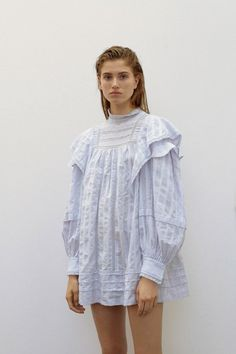 Étoile Isabel Marant Pre-Fall 2019 Fashion Show – fashion fail Fashion Fail, Fashion 2020, Boho Fashion, High Fashion, Fashion Dresses, Fashion Design, Fashion Trends, Fashion Weeks, London Fashion