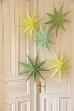 Osterdekoration/ Decoration ideas Easter www. Noel Christmas, Christmas Crafts, Xmas, Christmas Ornaments, Christmas Ideas, Star Decorations, Christmas Decorations, Star Centerpieces, Arts And Crafts