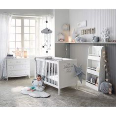 Chambre bébé en blanc et gris