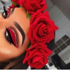 Rote Rosen Make-up-Idee - my most beautiful makeup list Red Eye Makeup, Makeup Eye Looks, Cute Makeup, Eyeshadow Looks, Gorgeous Makeup, Pretty Makeup, Amazing Makeup, Prom Makeup, Makeup Eyeshadow