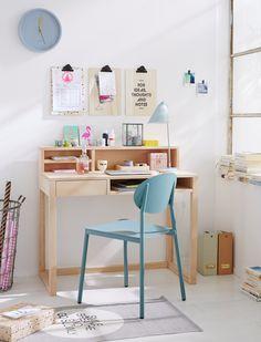 Moderner Bürotisch aus Holz, mit vielen Ablagemöglichkeiten. Hier macht das Arbeiten Spaß, entdecken Sie den tollen Arbeitsplatz bei car-Möbel!