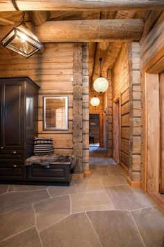 Veggli / Svartli - Great cottage in raised timber with high standard, views and good sun conditions Mountain Cottage, Cabin Interiors, Log Cabin Homes, Japanese Interior, Winter House, Rustic Elegance, Home Fashion, My Dream Home, Beautiful Homes