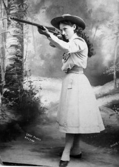 Annie Oakley, 1899 ~ History Lovers Club