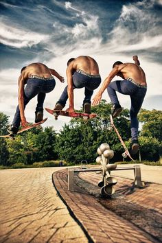 Skateborder Flight Sequence Series. http://www.pxleyes.com/blog/2012/03/50-brilliant-examples-of-sequence-photography/