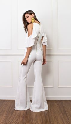 Elegant Ruffled Metal Zipper Off-Shoulder Jumpsuit Trendy Outfits, Fall Outfits, Fashion Outfits, Womens Fashion, Look Fashion, Fashion Beauty, Jumpsuit Elegante, Bridal Jumpsuit, Off Shoulder Jumpsuit