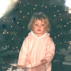 Pretty in pink: Gigi Hadid exhibited just why she has all the credentials for the job as s. Young Gigi Hadid, Gigi Hadid 2014, Miranda Kerr, Cute Celebrities, Celebs, Hadid Instagram, Throwback Pictures, Celebrity Babies, Cute Faces