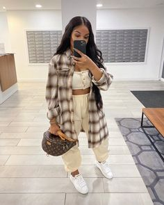 Image may contain: one or more people, people standing and indoor Cute Comfy Outfits, Chill Outfits, Sporty Outfits, Retro Outfits, Stylish Outfits, Flannel Outfits, Black Girl Fashion, Tomboy Fashion, Fashion Killa