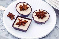 Echt feestelijk en lekker fris: chocoladecupjes met fluweelzachte panna cotta - Recept - Allerhande
