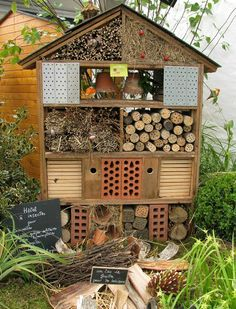 Photo ... l'hôtel des insectes ... Bug Hotel, Garden Bugs, Garden Insects, Small Gardens, Outdoor Gardens, Ladybug House, Bee House, Garden Trellis, Aquaponics
