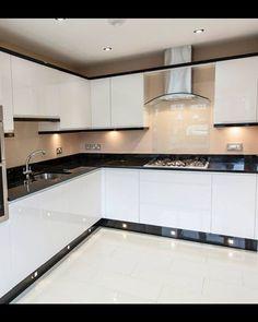Black and white kitchen by ocean kitchens (Solihull) - Kitchen Cabinet Ideas Kitchen Bar Design, Kitchen Layout, Home Decor Kitchen, Interior Design Kitchen, Rustic Kitchen, Küchen Design, Home Design, Layout Design, Design Trends