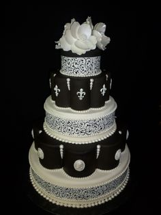 www.facebook.com/cakecoachonline - sharing....Wedding Cake