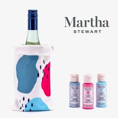 Gather your favorite people and make custom wine bags that are sure to be worthy of a toast! Use Martha Stewart craft paints to create wine bags that are as unique as you want them to be. Clay Crafts For Kids, Kids Clay, Easy Crafts, Fabric Coasters, Diy Coasters, Wine Bags, Martha Stewart Crafts, Painted Mugs, Diy Wall Art