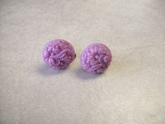Vintage 50s 60s Pair Of Bright Purple Plastic Flower Screw Back Clip On Earrings…