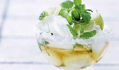 Cocktail med hyldeblomst og lime - ALT.dk