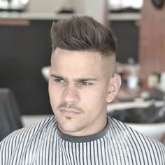 2016 Men's Hairstyles - Skull Fade With Loads of Texture Through The Top