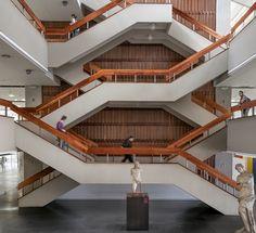 Arquitectura moderna colombiana en la UNAL Bogotá, bajo el lente de Juan Sebastián Silva,Biblioteca Central Gabriel García Márquez / Alberto Estrada. Image © Juan Sebastián Silva