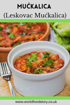 Mućkalica or Leskovac mućkalica is one of the most popular dishes in Serbian cuisine. It is a kind of stew, which is made from leftover barbecue meat baked in a vegetable sauce.The origin of this dish comes from the town of Leskovac in southern Serbia. In addition to mućkalica, Leskovac is known for its barbecue, ajvar and the Leskovac grill. Holiday Recipes, Dinner Recipes, Pork Bacon, How To Peel Tomatoes, Good Food, Yummy Food, Cooking Together, Grilled Meat, Serbian