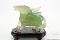 China 20 Jh. A Chinese Carved Jade / Nephrite Figure Of A Horse - Chinois Cinese