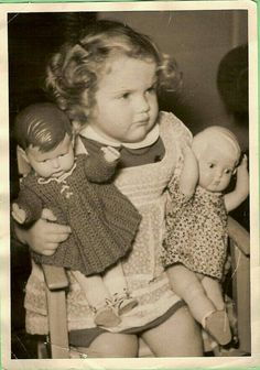 caring for two babies Vintage Children Photos, Vintage Girls, Vintage Pictures, Old Pictures, Vintage Images, Vintage Toys, Old Photos, Girl Photos, 1940s Photos
