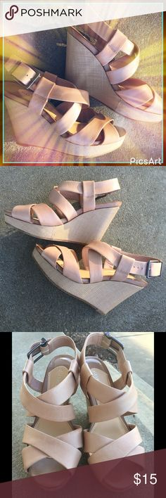 Women's Nude GIANNI BINI Strappy Wedges size 8.5 In love 💞 with these babies. And I can honestly say they are extremely comfortable for a 4 3/8 heel. Love pairing a nice pair of nude color shoes with a black dress. These can be dressed up or down and will go with anything! One shoe has a scuff mark where I sort of tripped on 'nothing' while walking on concrete 😠 and there is one little scuff on the other strappy part on side of the foot. Worn to a couple events and are waiting for a new…