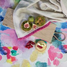 Seafield Oil Cloth Fabric could be nice to make a bag with. Oil Cloth Fabric, Pvc Fabric, Watercolor Fabric, Watercolor Design, Botanical Interior, Bluebellgray, Kitchen Fabric, Dose Of Colors, Mark Making