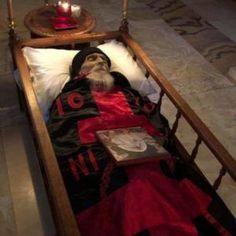 Miséricorde Divine, Post Mortem Photography, Historical Women, Historical Photos, Xmas Cross Stitch, Byzantine Icons, Haunted History, Tudor History, Religious Icons