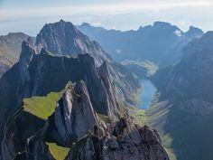 https://flic.kr/p/wKxJs6 | Appenzellerland | View across Fählenschafberg towards Fählensee