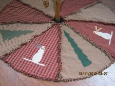 Primitive, Raggy Christmas Tree Skirt.