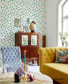 Eijffinger + RICE = Rock 'n' wallpaper Roll!     Dat Eijffinger en RICE een goede match zijn is wel gebleken. Beide merken houden van producten met een duidelijke signatuur. En dat zie je in deze nieuwe collectie dan ook terug. Want het is wederom een uitgesproken collectie geworden met veel kleur en een grote diversiteit aan prints.  #behang #eijffinger #wallpaper How To Hang Wallpaper, Wallpaper Roll, Diy Tapete, Feature Wall Living Room, Pip Studio, Piece A Vivre, Photo Mural, First Home, Decoration