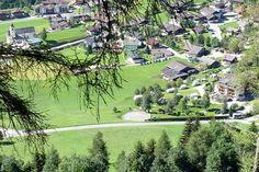 OST TIROL, Prägraten am Großvenediger, Replerhof, 29,-euro, 18 plaatsen. Rustige, kleine familiecamping in een geweldig mooie omgeving. Ideaal voor rustzoekers en weg van de hecktiek van de dag. Vele wandelroutes vanaf de camping in het Nationalpark Hohe Tauern. Extra voorzieningen: zwembad, sauna, fitness en welness in hotel Replerhof.