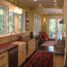 Farm Style Kitchens Upper Cabinets And Country Farm On Pinterest