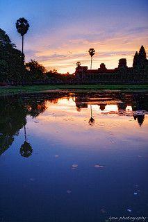 Angkor Wat Sunrise - Siem Reap. 12 Practical Tips for Visiting Angkor by familyglobetrotters.com #travel #holiday #traveltips #familyholidays