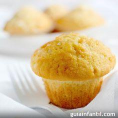 Las magdalenas de limón son un clásico en la repostería, y una forma muy divertida de niciar a los niños en la cocina. Una receta para niños sencilla y sabrosa.